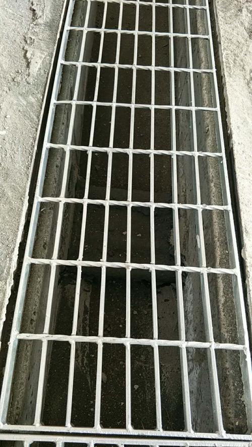 热浸锌钢格板盖板