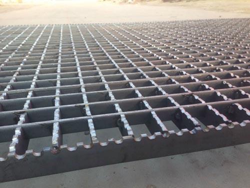 防滑格栅板