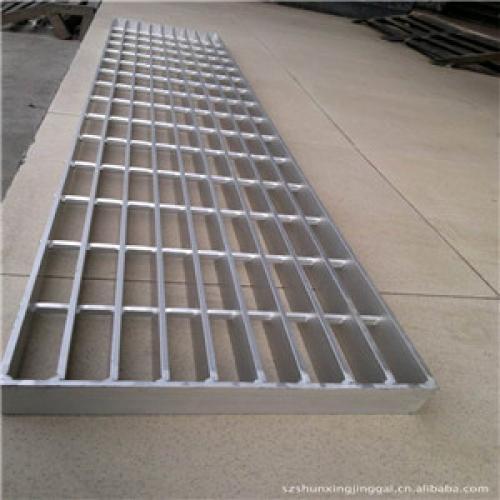 金属踏步板厂家